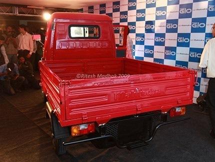 Mahindra_Gio_truck chico2