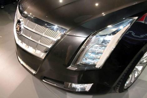 Cadillac XTS Platinum Concept chico