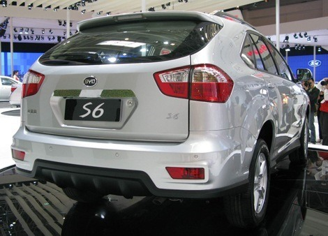 BYD S6 chico2