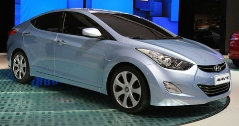 Hyundai Avante 2010 chico3