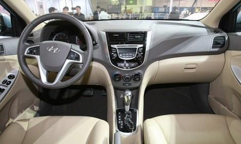 Hyundai Verna-Accent chico4