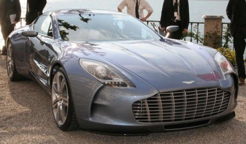 Aston Martin One-77 chico3