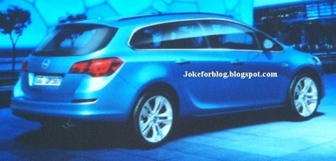 Opel Astra SportsTourer2