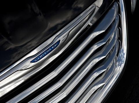 Chrysler 200 2011-chico2
