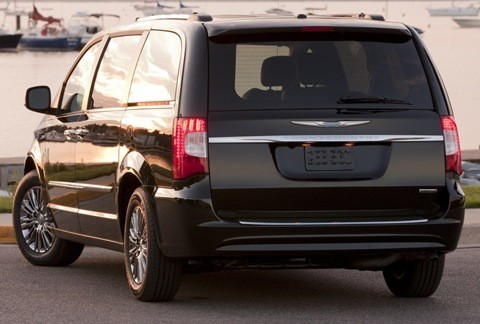 Chrysler Town & Country 2011-chico2