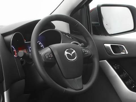 Mazda BT-50 2011-chico1