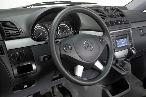 Mercedes Viano 2011-9