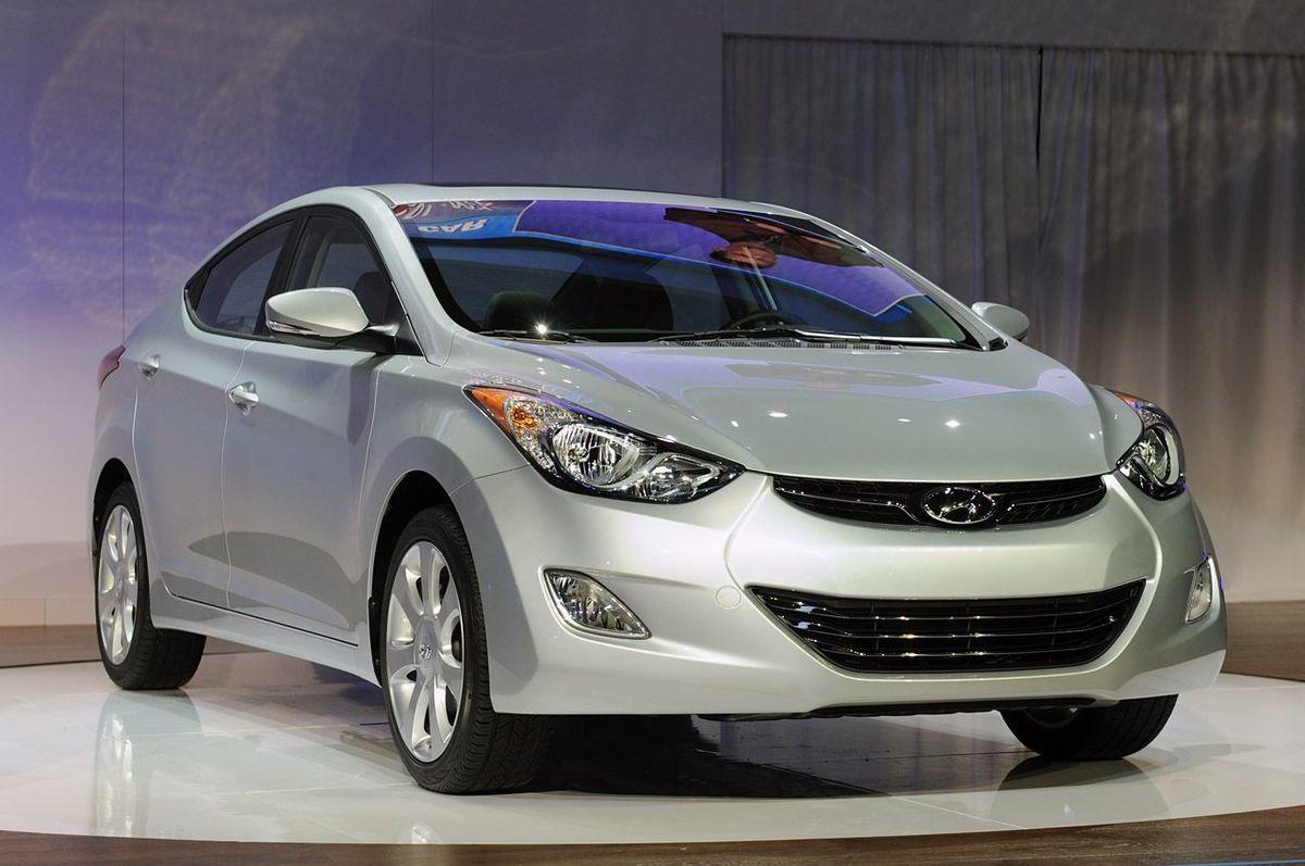 http://espaciocoches.com/wp-content/uploads/2010/11/Hyundai-Elantra-2011-Estados-Unidos-14.jpg