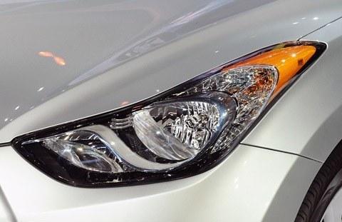 Hyundai Elantra 2011 (Estados Unidos)-chico1