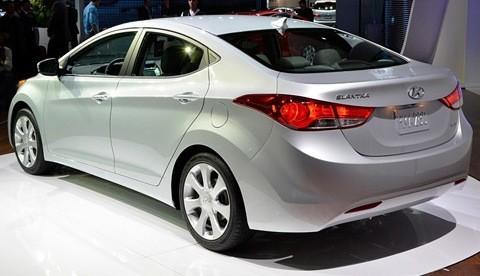 Hyundai Elantra 2011 (Estados Unidos)-chico3