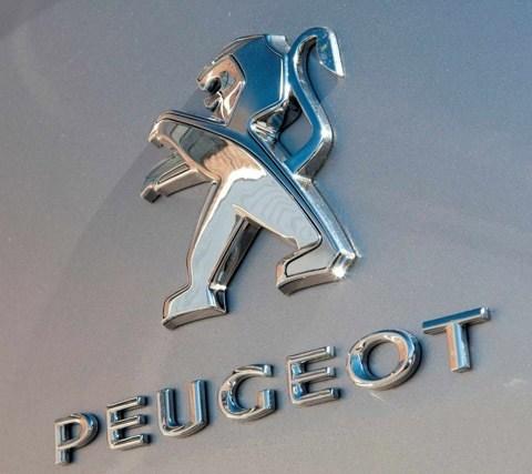 Peugeot-408-fabrica-Palomar-chico003