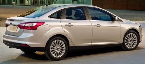 Ford-Focus_Sedan_2011_1024x768_wallpaper_0b