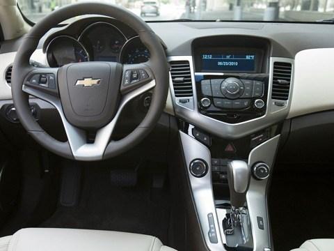Chevrolet-Cruze_2011_05
