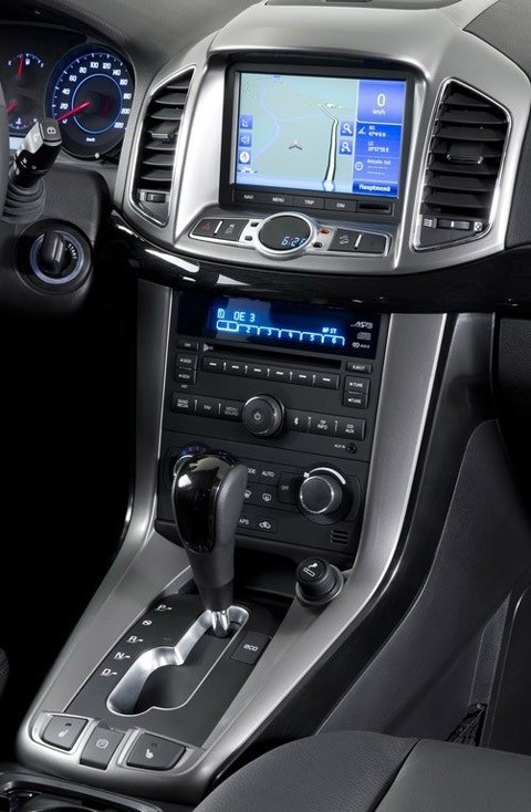 Chevrolet-Captiva_2012_chico1