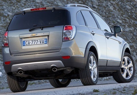Chevrolet-Captiva_2012_chico2