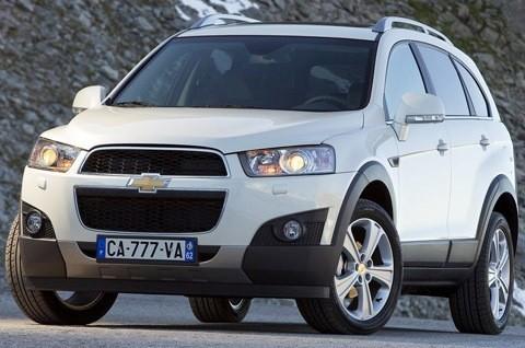 Chevrolet-Captiva_2012_chico5