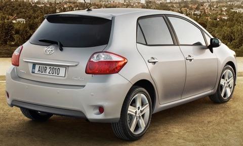 Toyota-Auris_2010_02