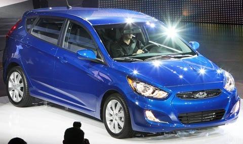Hyundai-Accent-chico5