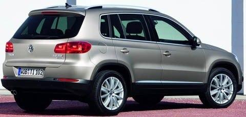 Volkswagen-Tiguan_2012_1024x768_wallpaper_0d