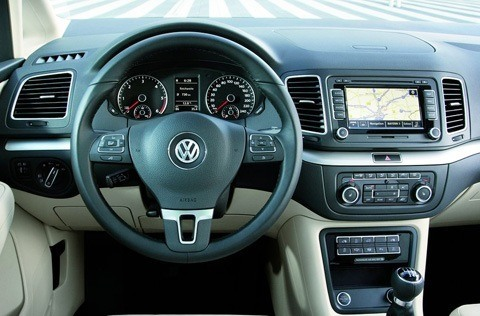 Volkswagen-Sharan_2011_1024x768_wallpaper_1a