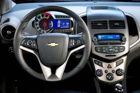 Chevrolet-Sonic_2012_02