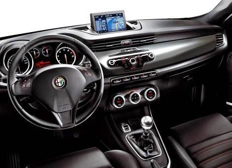 Alfa-Romeo-Giulietta-2010-chico5