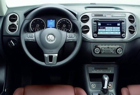 Volkswagen-Tiguan-2011-04