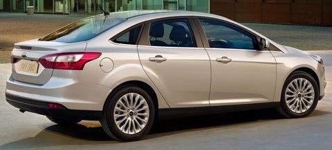 Ford-Focus_2011_12