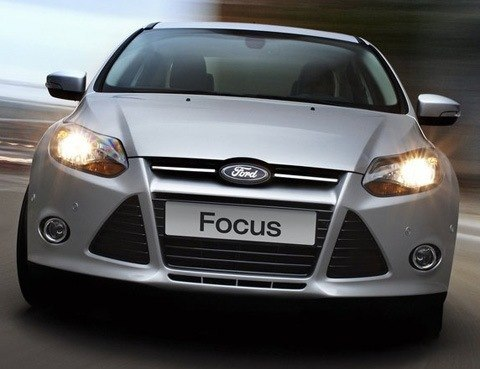 Ford-Focus_2011_13