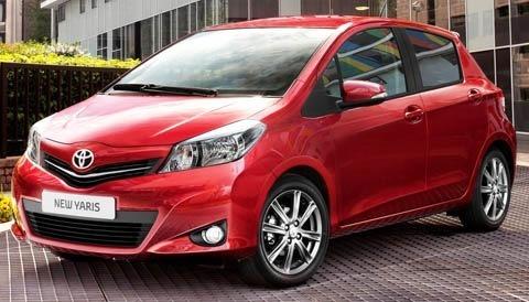 Toyota-Yaris_2012_chico5