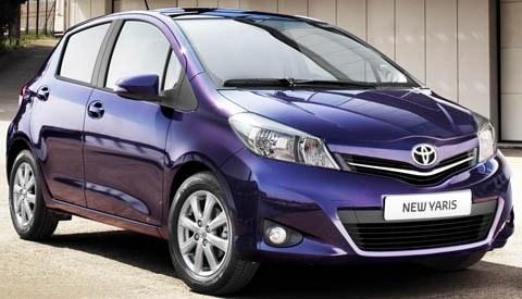 Toyota-Yaris_2012_chico6