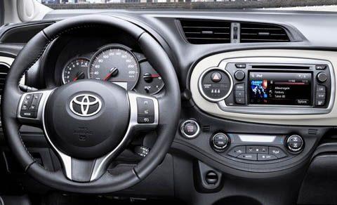 Toyota-Yaris_2012_chico7