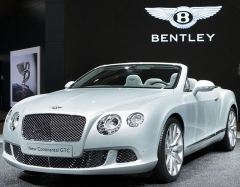 Bentley Continental GTC-chico1