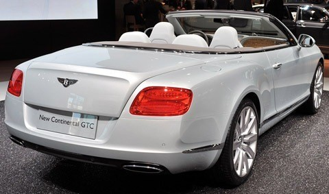 Bentley Continental GTC-chico3