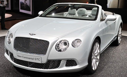 Bentley Continental GTC-chico4