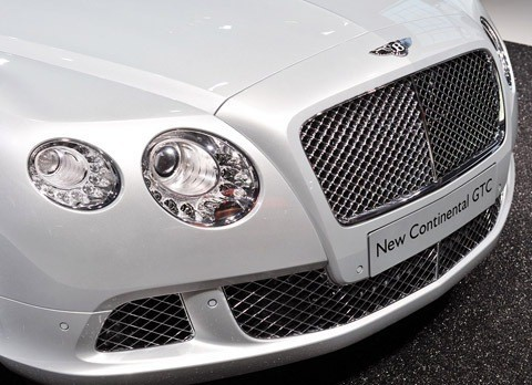 Bentley Continental GTC-chico6