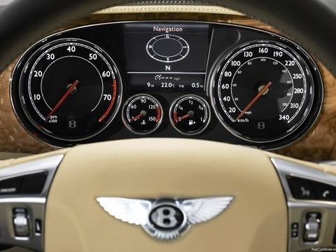 Bentley Continental GTC-chico8