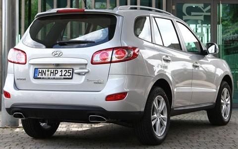 Hyundai-Santa_Fe_2010_chico5