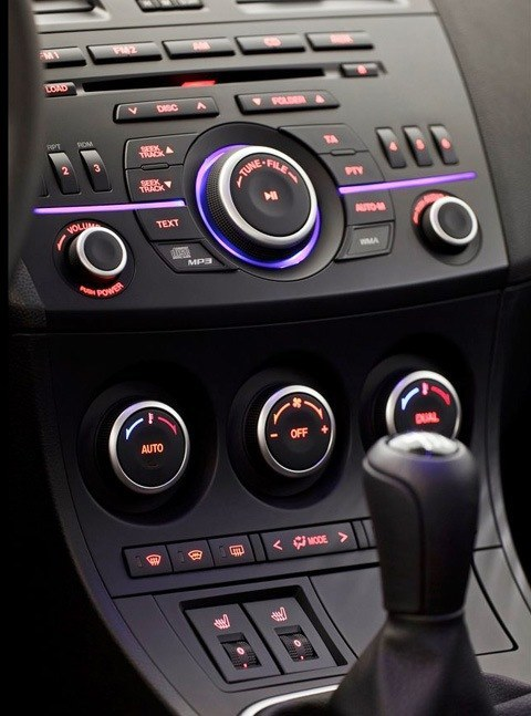 Mazda-3_2012_chico4