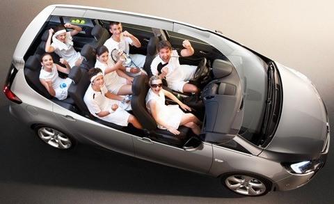 Opel-Zafira_Tourer_2012_chico1