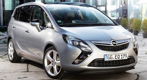 Opel-Zafira_Tourer_2012_chico2