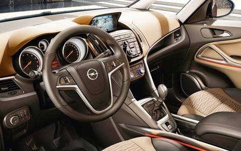 Opel-Zafira_Tourer_2012_chico4