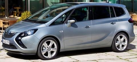 Opel-Zafira_Tourer_2012_chico8