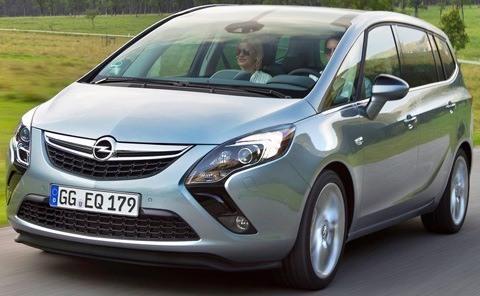 Opel-Zafira_Tourer_2012_chico9