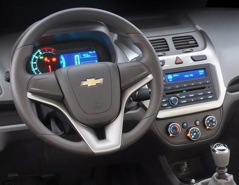 Chevrolet-Cobalt-2012-chico12