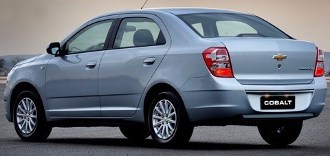Chevrolet-Cobalt-2012-chico2