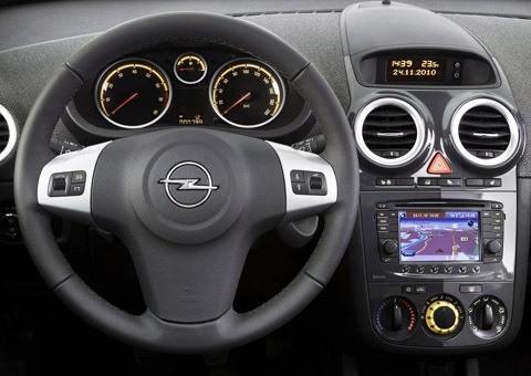Opel-Corsa_2011_chico2