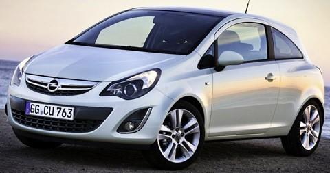Opel-Corsa_2011_chico4