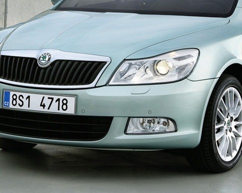 Skoda-Octavia_2009_1280x960_wallpaper_17