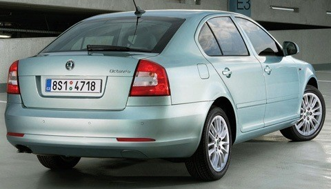 Skoda-Octavia_2009_1280x960_wallpaper_28